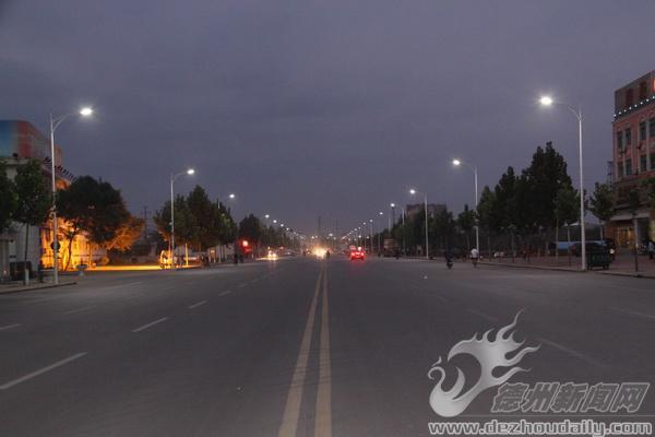 德州:天衢西路路灯改造工程完毕